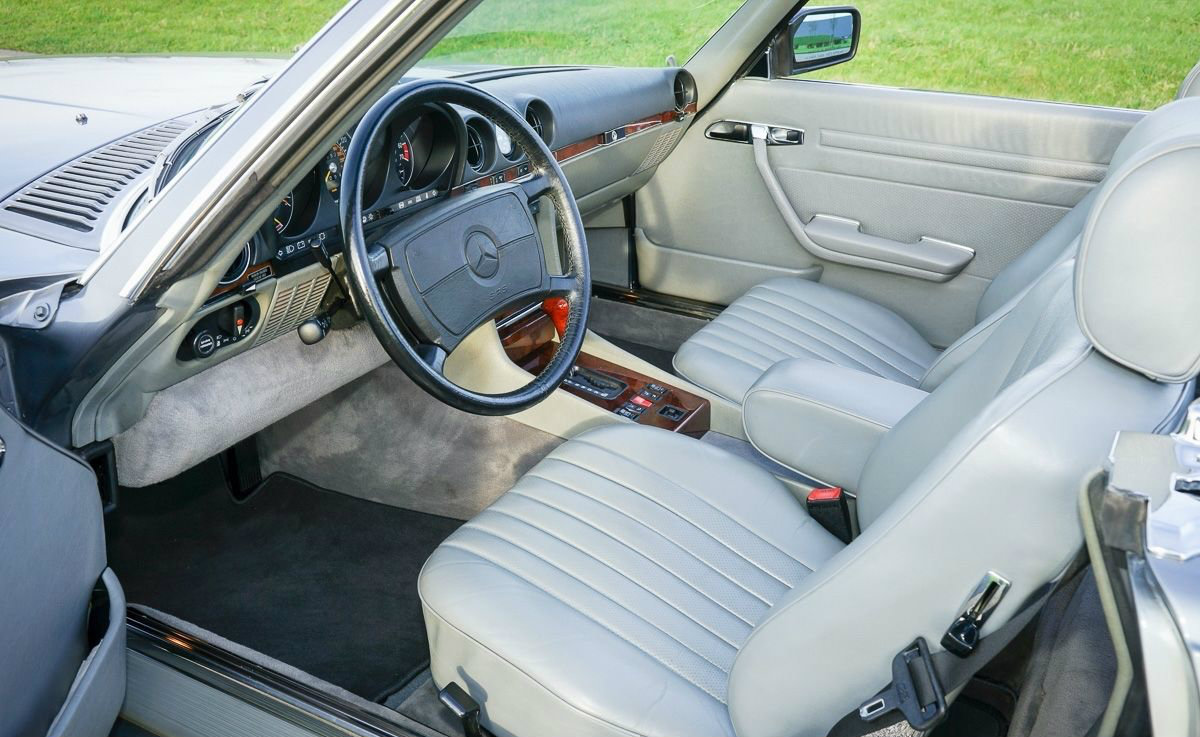 Mercedes-Benz 107 Innenraum