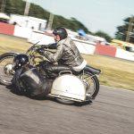 Built not Bought - Motorradklassiker auf der Rennstrecke
