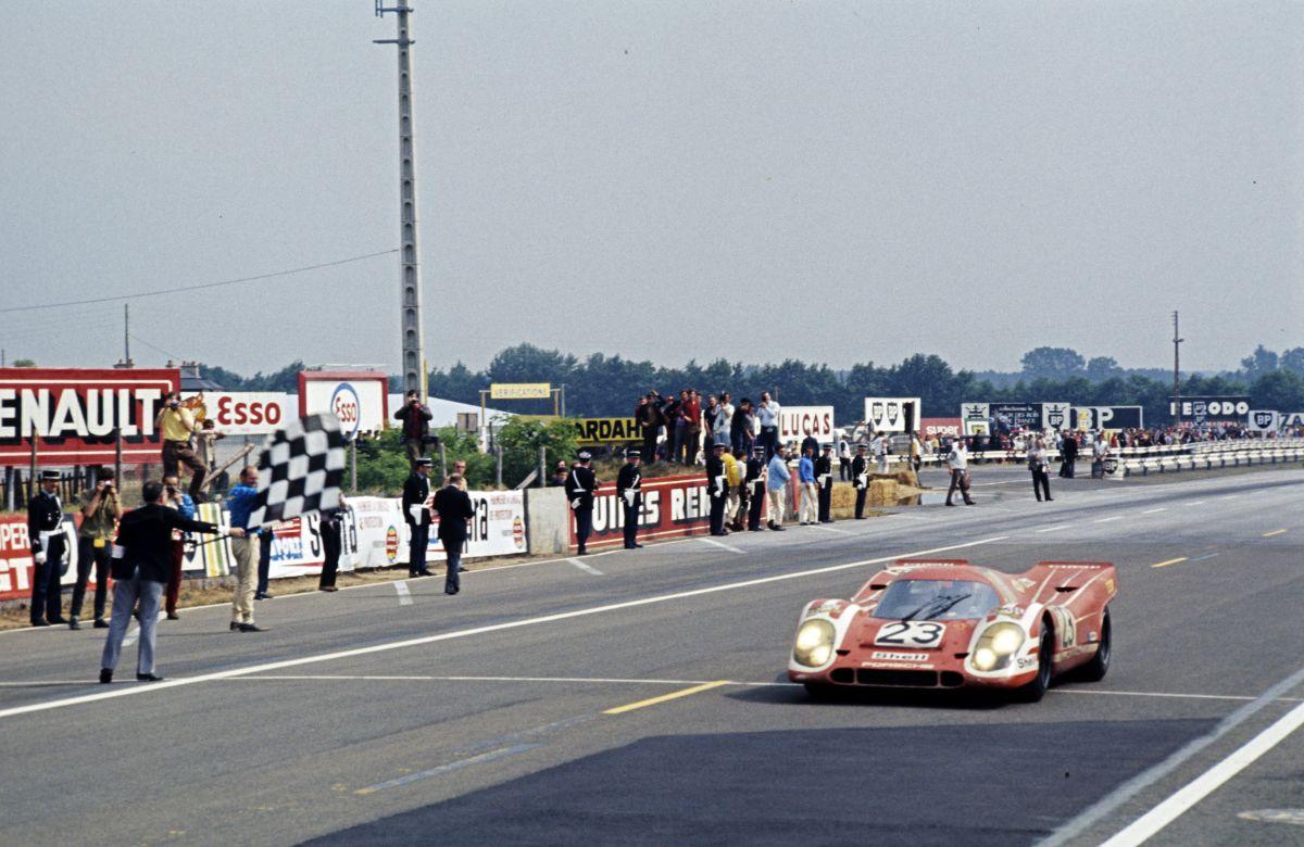 Hans Herrmann Porsche 917 Kurzheck 3
