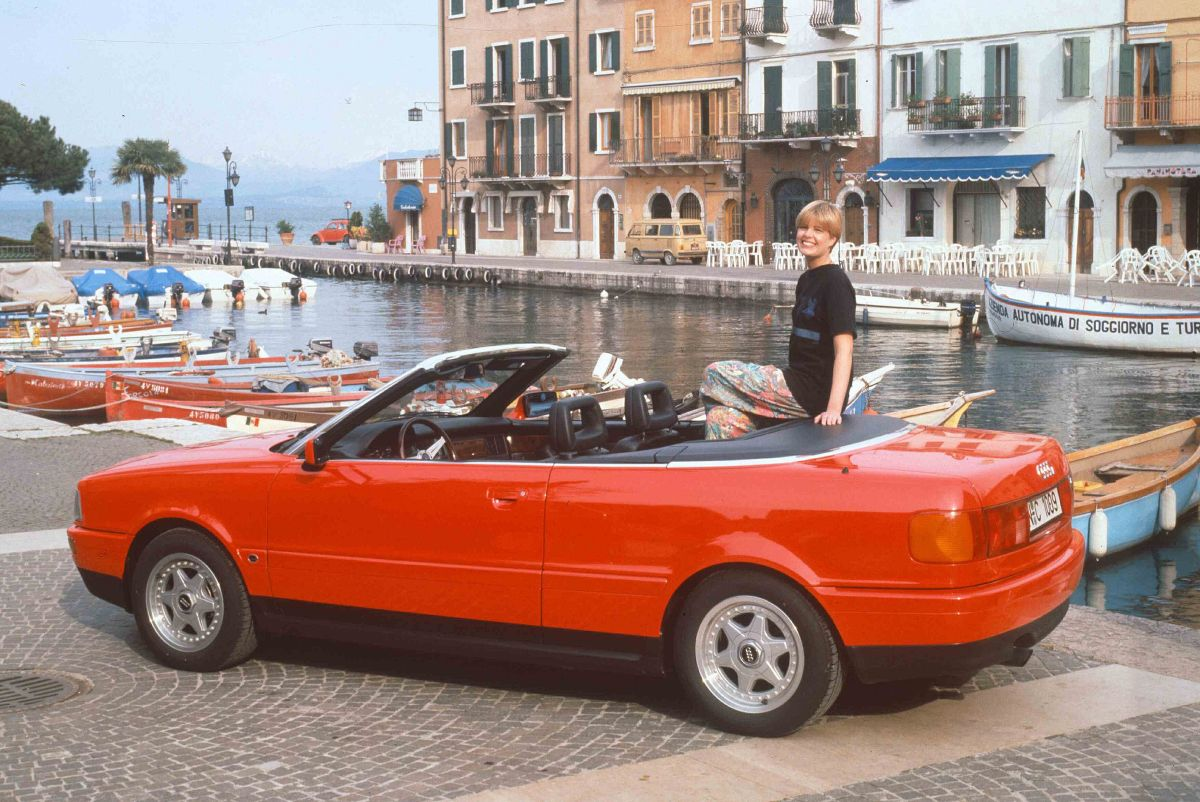 Audi Cabriolet rot 1a