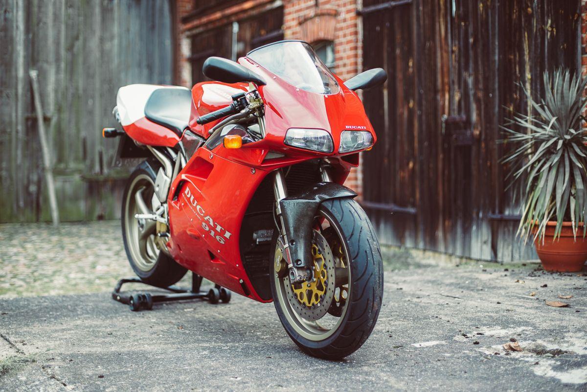 Ducati 916 Front 1