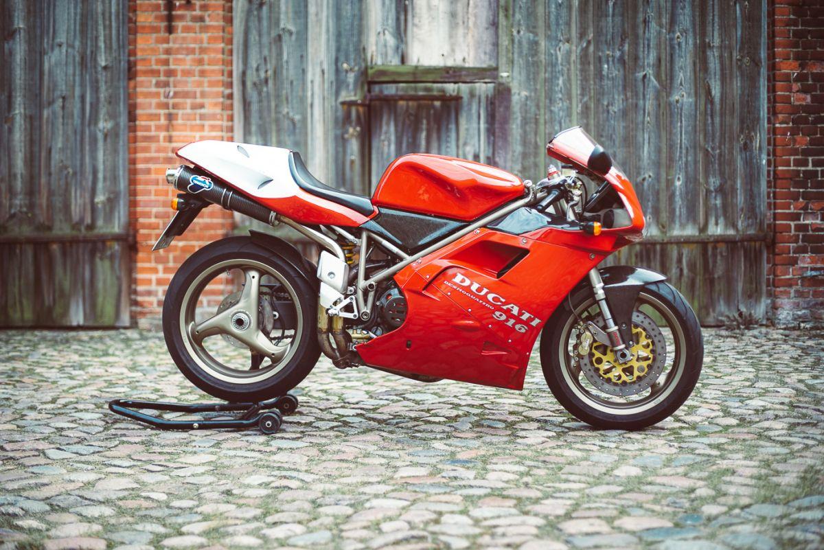 Ducati 916 Seite 1