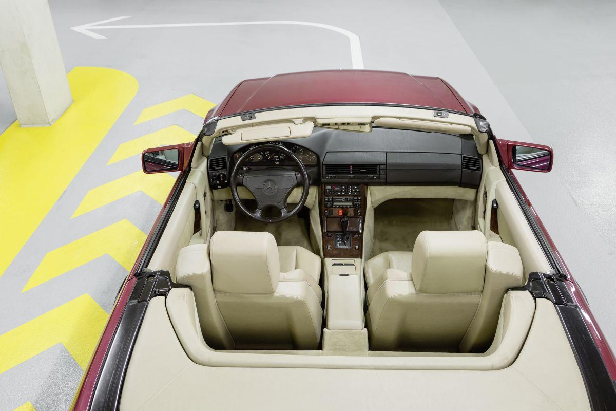 Mercedes-Benz-R129-12