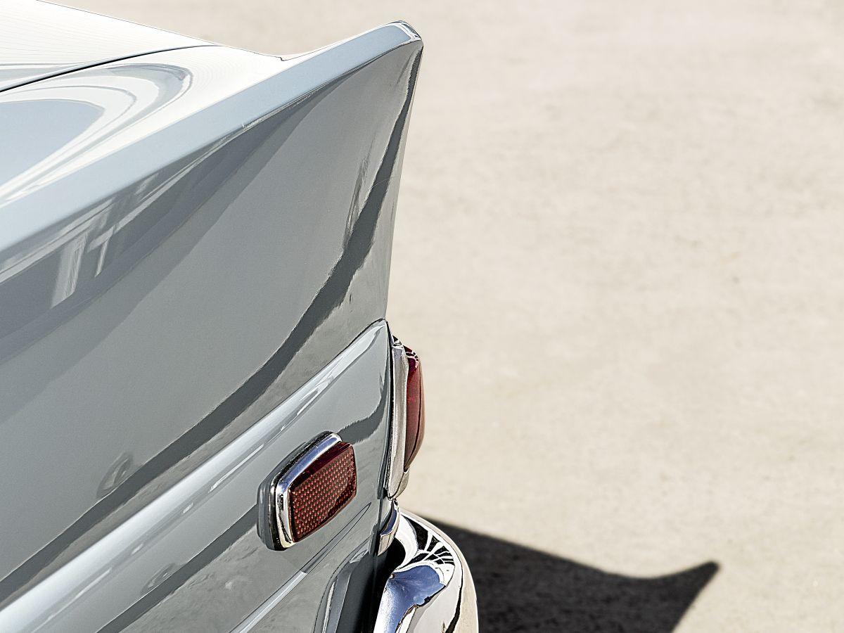 Mercedes-Benz W 110 9