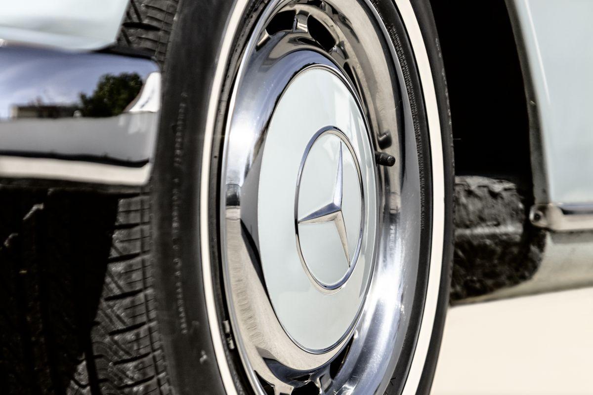 Mercedes-Benz W 110 10