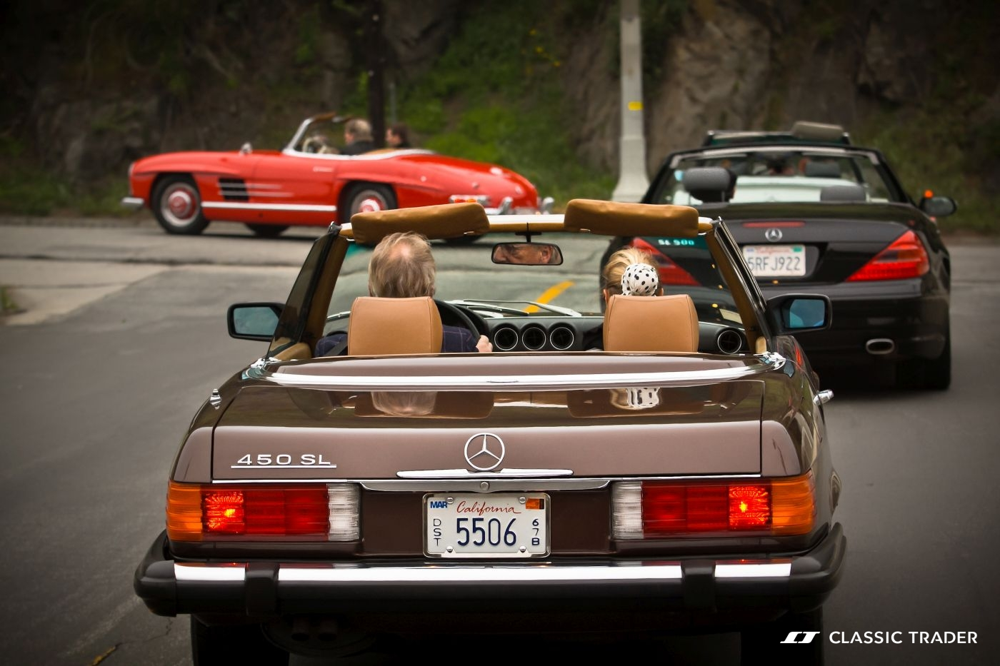 Importfahrzeuge 2 Mercedes Benz SL 107