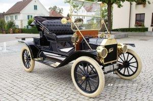 Fünf Vorkriegs-Klassiker Ford Modell T 3