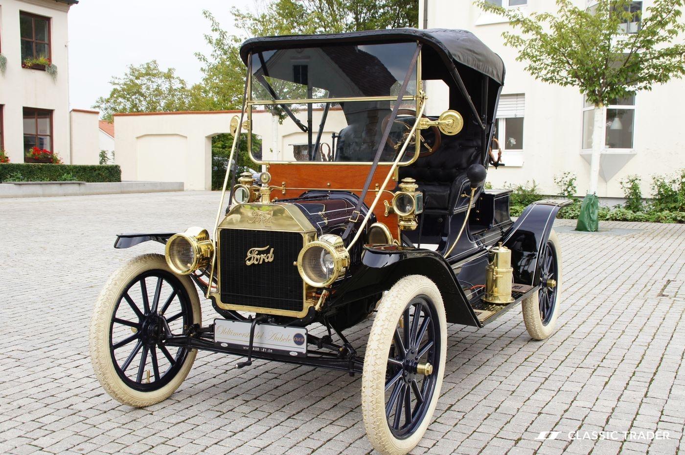 Fünf Vorkriegs-Klassiker Ford Modell T 2