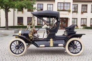 Fünf Vorkriegs-Klassiker Ford Modell T 4