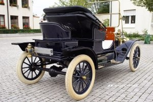 Fünf Vorkriegs-Klassiker Ford Modell T 1