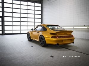 Project Gold Porsche 911 993 Turbo (17)