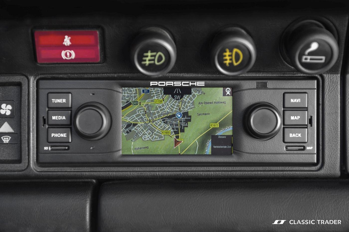 Porsche Classic Navigationsgeraet 3