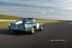 Aston Martin DB 4 GT Continuation 11