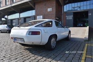 Porsche 928 rearview OGB