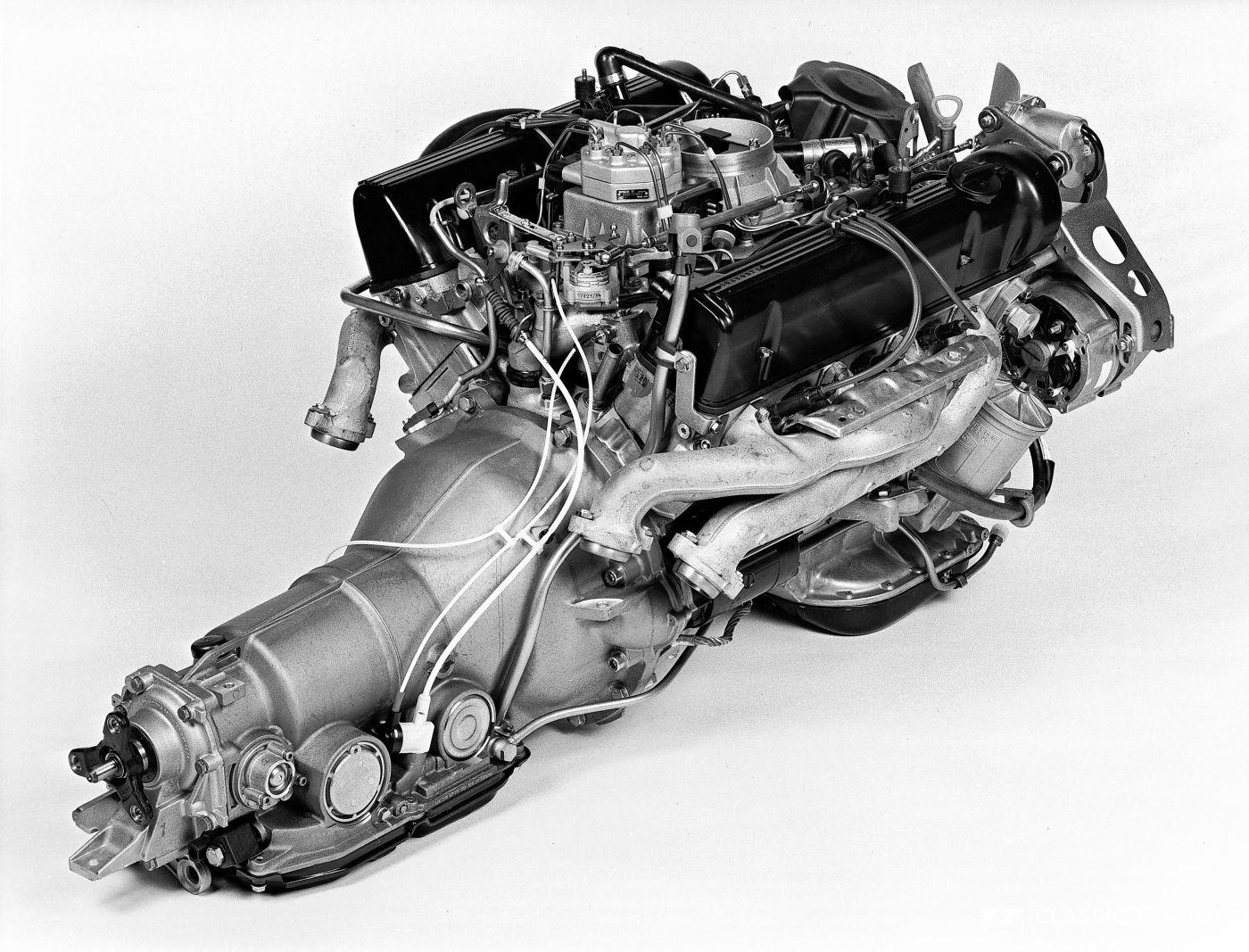 Mercedes-Benz W 126 S Klasse Motor M 117