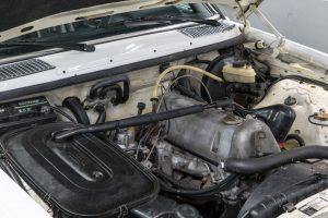 Mercedes-Benz 230 C W123 Motor M 115 (15)