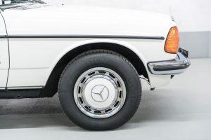 Mercedes-Benz 230 C W123 Reifen (30)