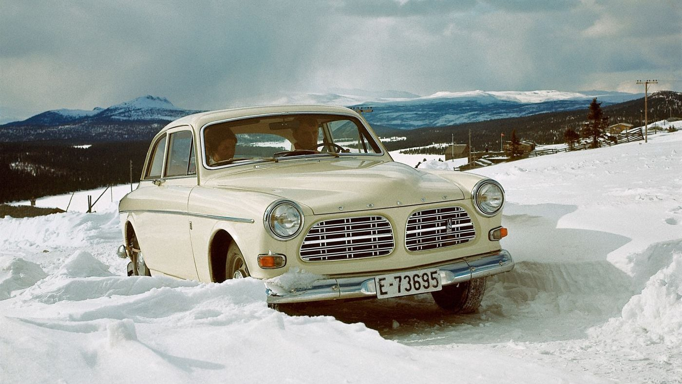 Oldtimer im Winter Volvo Amazon 121 (6)