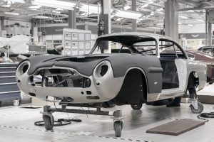 AstonMartinDB5GoldfingerContinuation_04