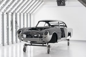 AstonMartinDB5GoldfingerContinuation_05