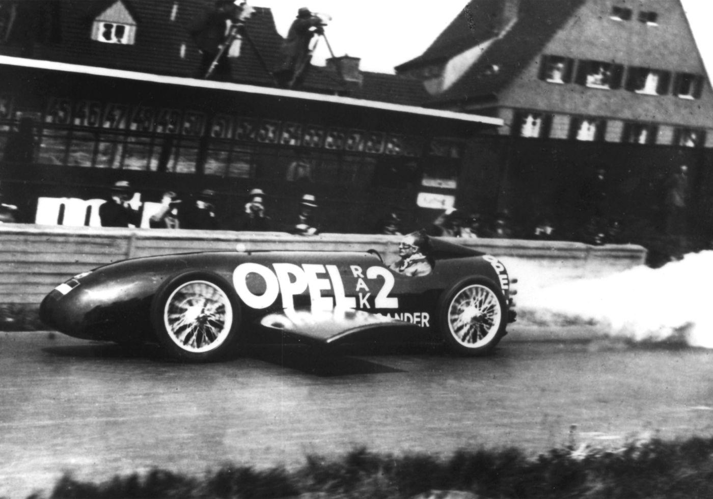Eröffnung der AVUS 1928 Opel RAK 2