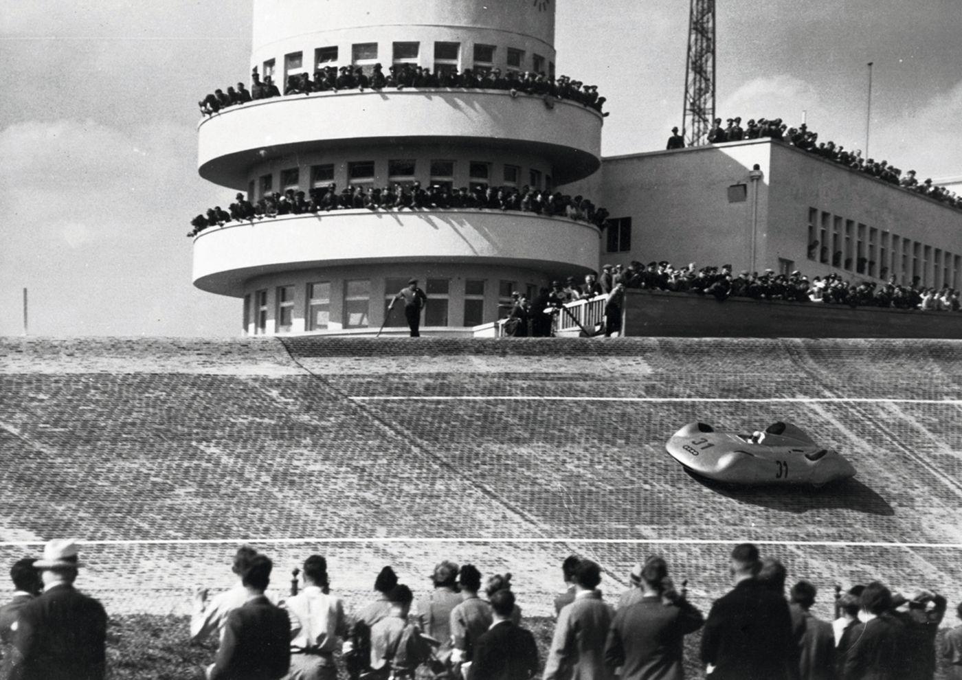 Eröffnung der AVUS Steilkurve 1937 Bernd Rosemeyer Auto Union (18)