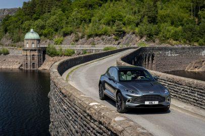 Aston Martin DBX 2020 Stirling Green (9)