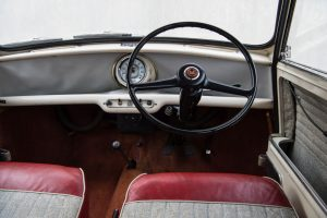 1959 Morris Mini Minor Interieur (18)