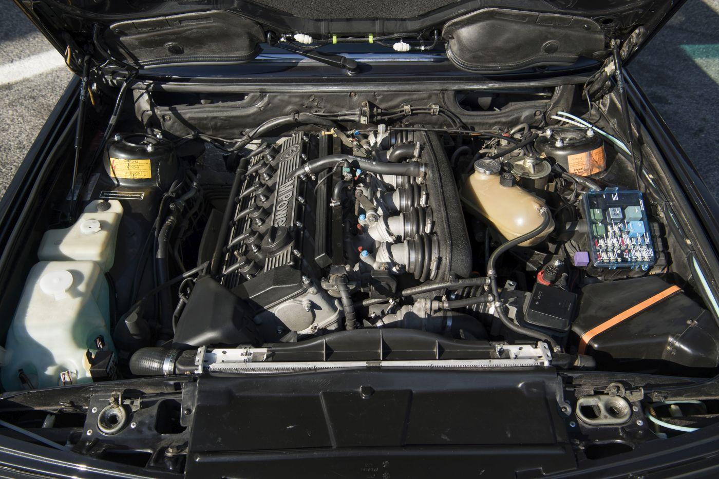 BMW E28 M5 Motor (28)
