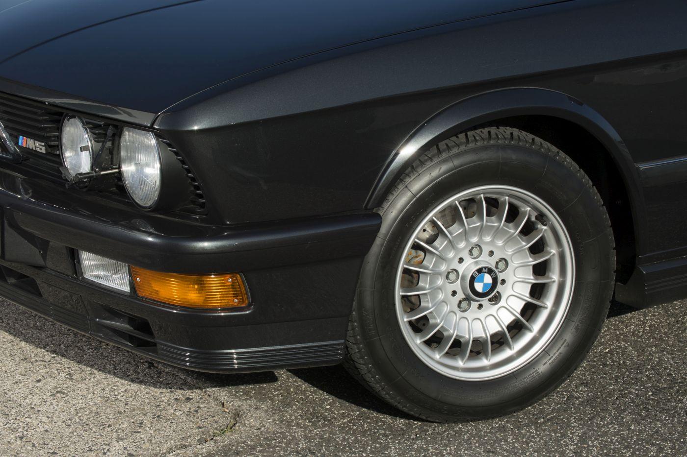 BMW E28 M5 (30)