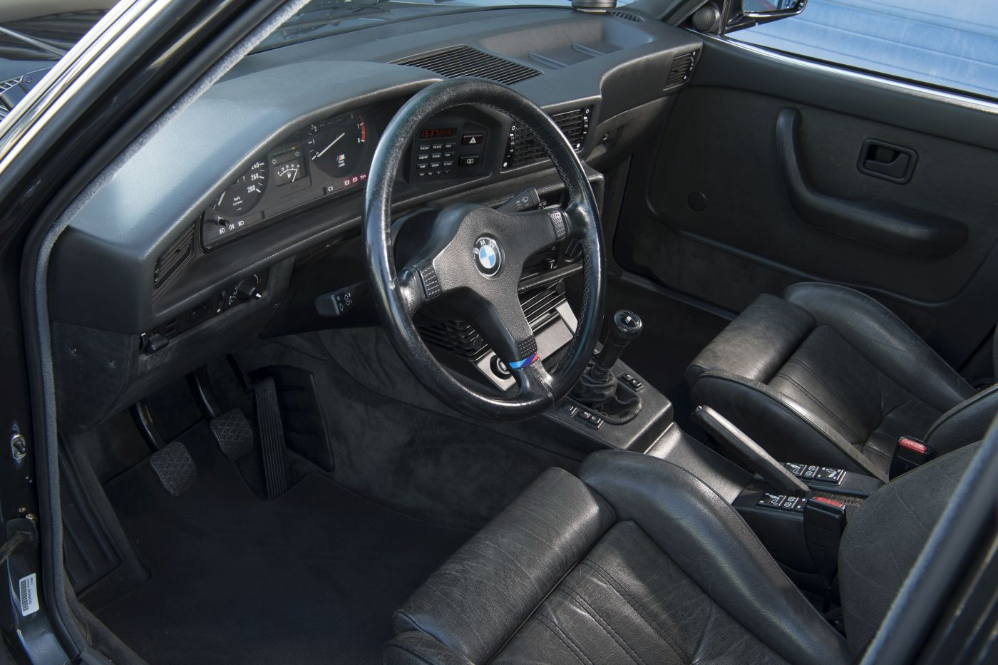BMW E28 M5 (32)