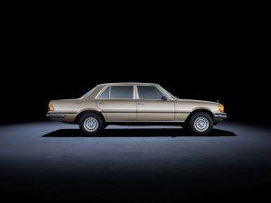 Formen und Farben der 70er Byzanzgold metallic 422 Mercedes-Benz W 116 (1)