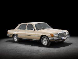 Formen und Farben der 70er Byzanzgold metallic 422 Mercedes-Benz W 116 (2)