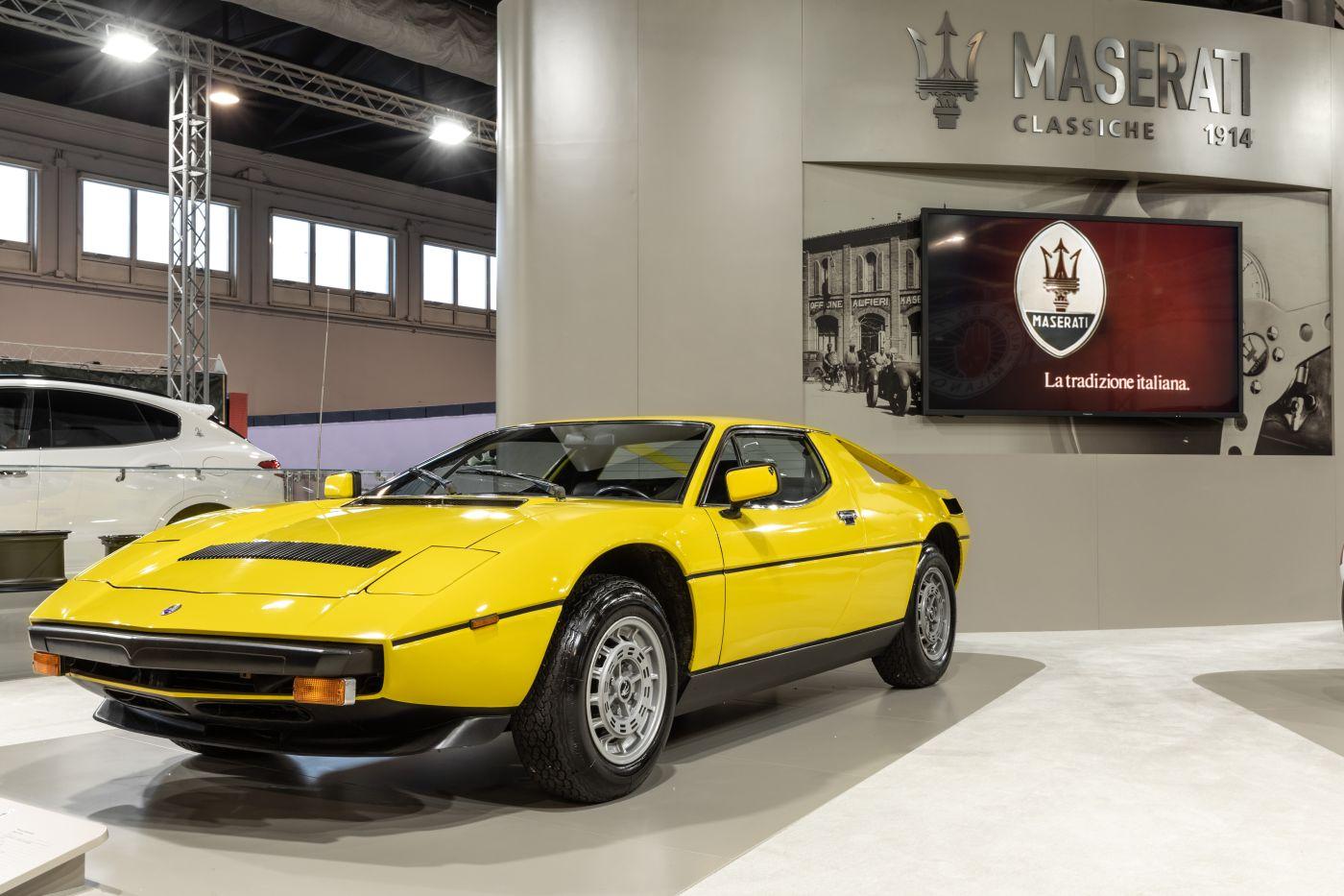 Formen und Farben der 70er Maserati Merak Nuovo Giallo Fly (1)