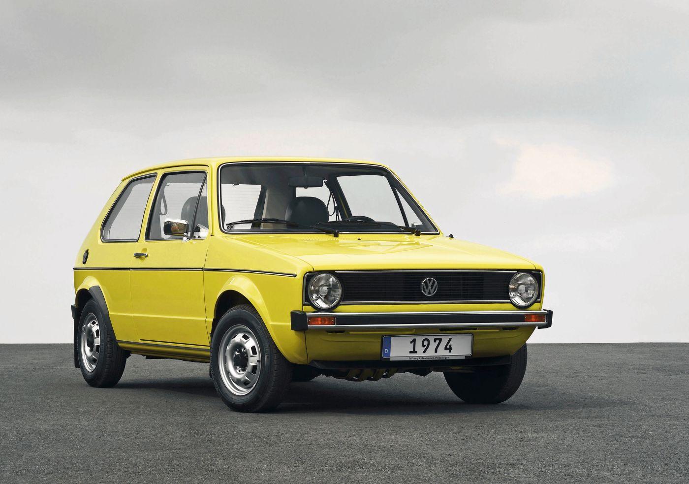 Formen und Farben der 70er Volkswagen Golf I gelb VW (1)