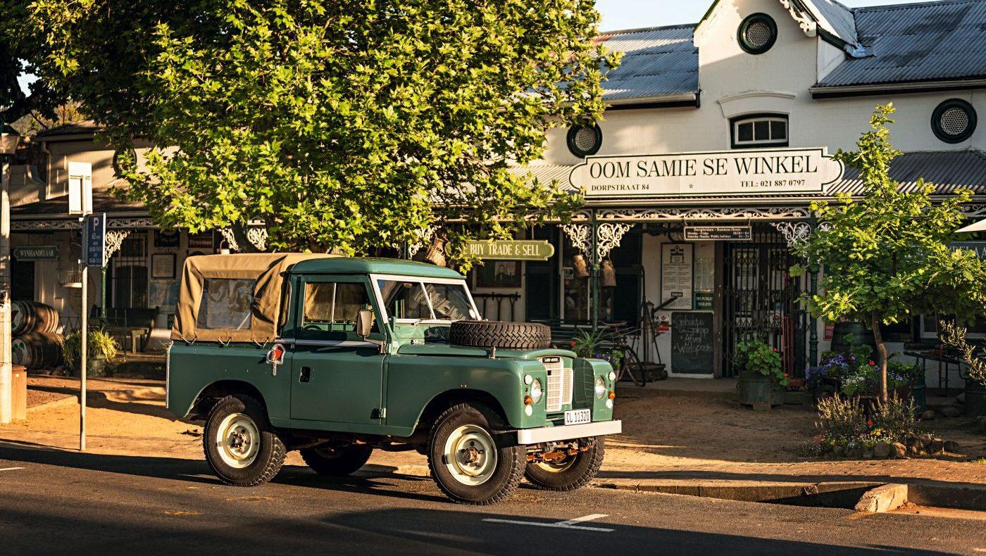 Libby und Landy Love Land Rover 88 (5)