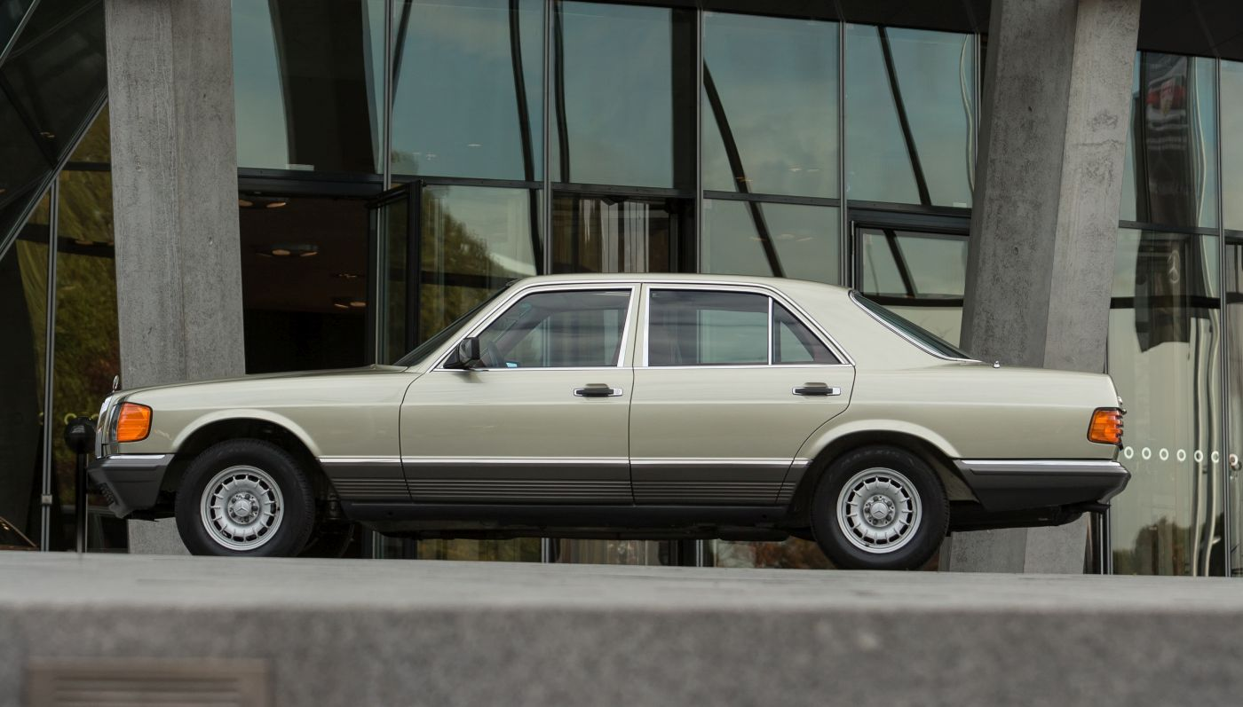 Mercedes-Benz S-Klasse W 126 280 SE 1982 Seite (3)