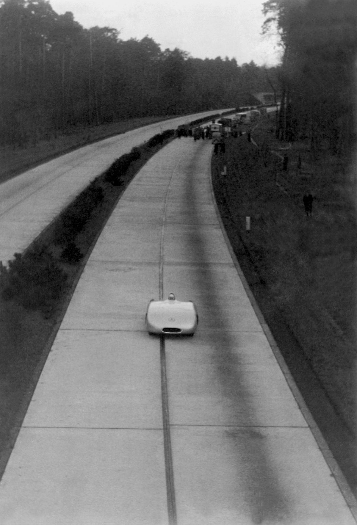 Rudolf Caracciola - Luftaufnahme Rekordwagen