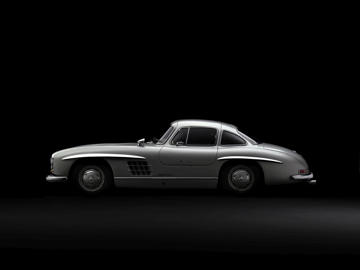 Original vs Recreation Mercedes Benz 300 SL Coupe