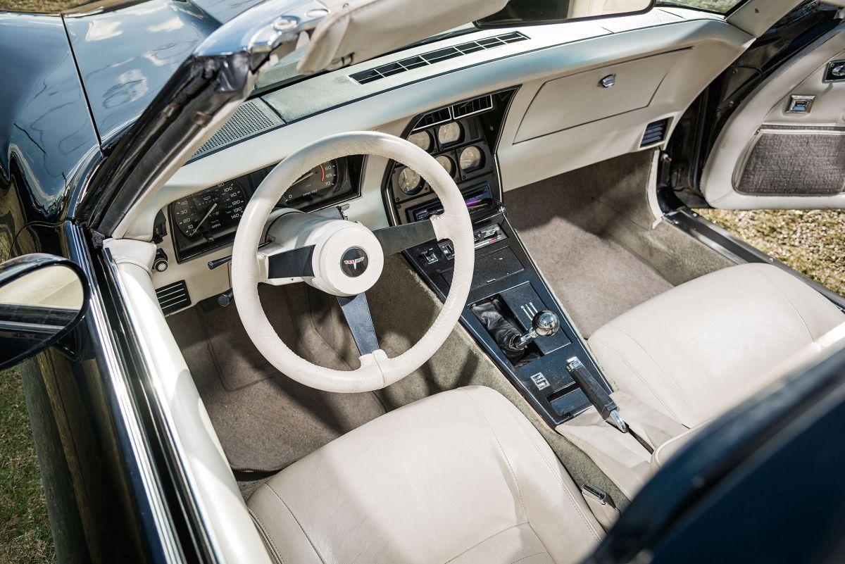 Chevrolet Corvette C3 Interieur