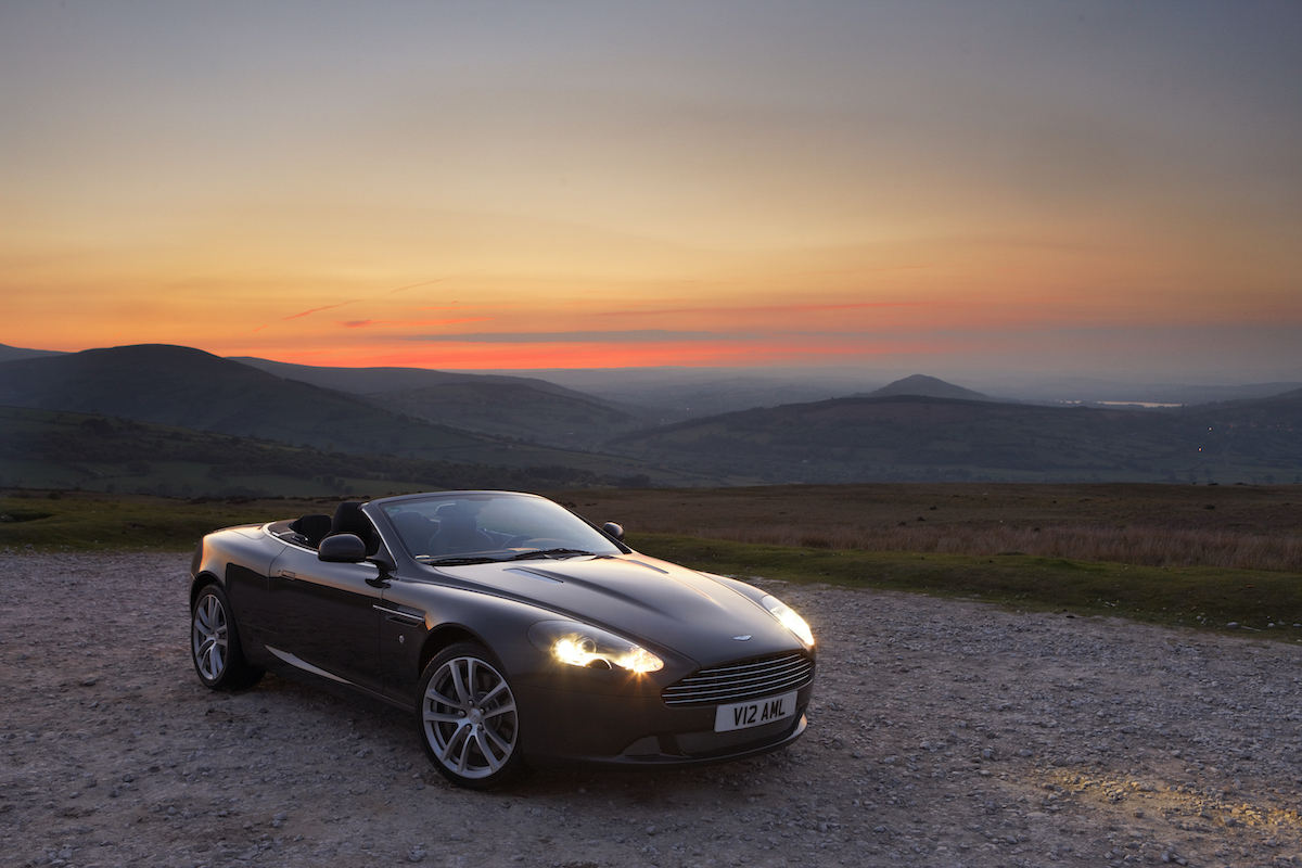 Aston_Martin_DB9_Volante