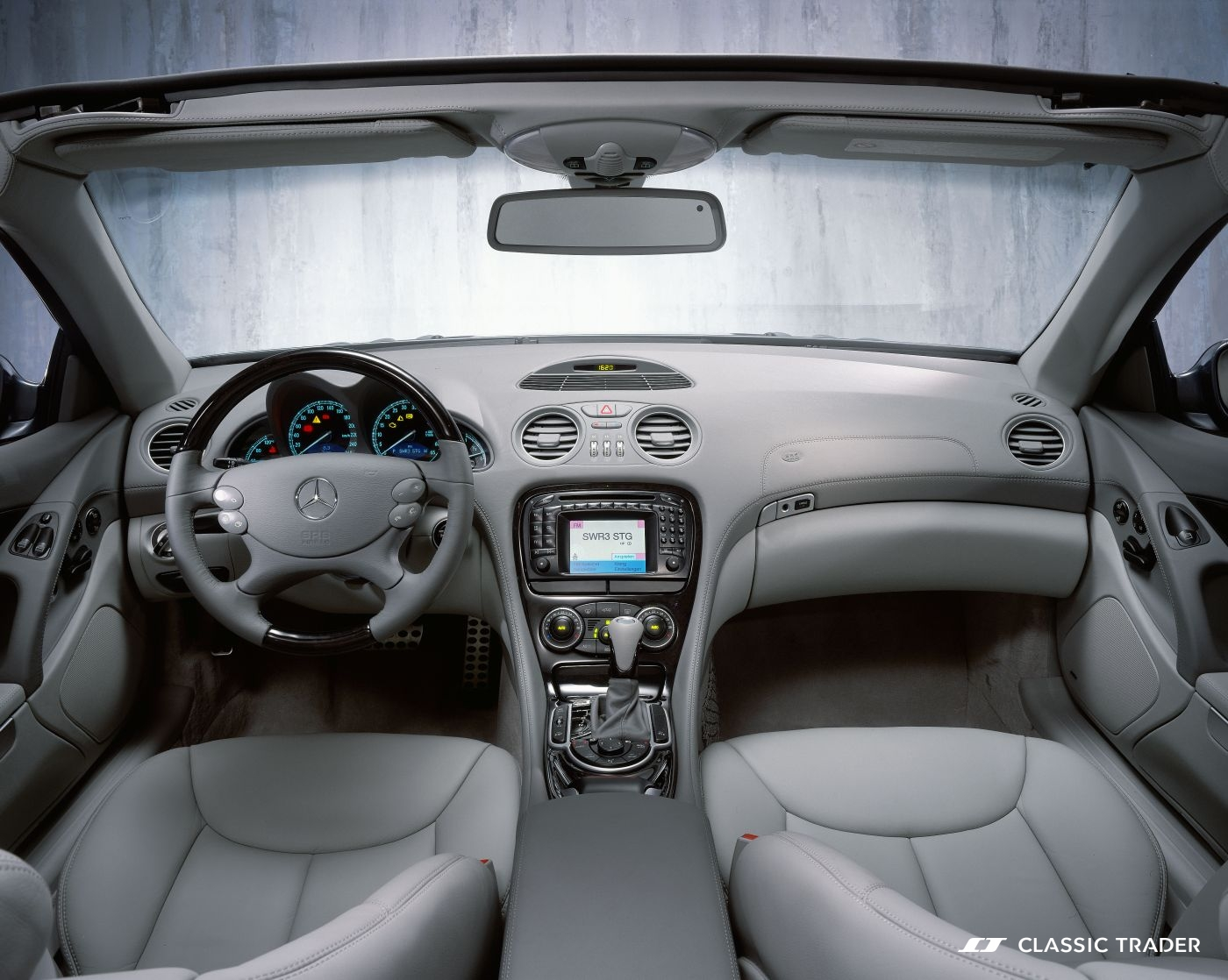 Mercedes-R230_17