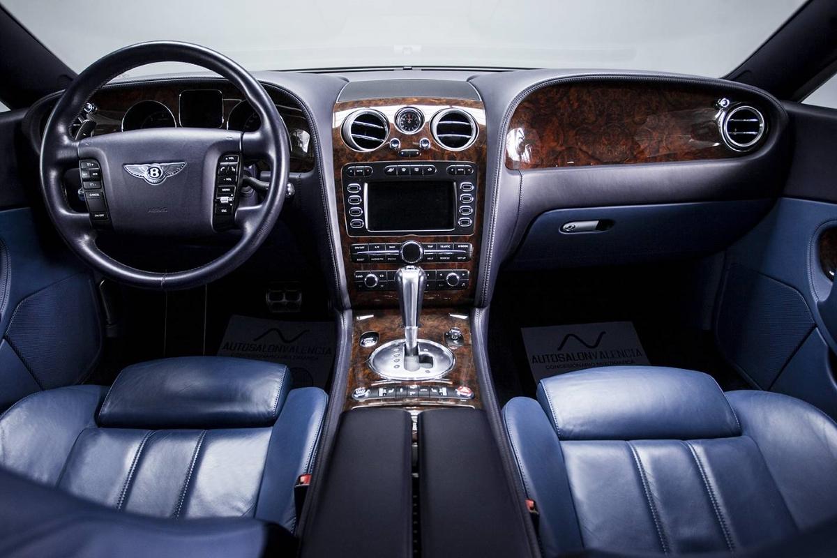 Bentley Continental GT (2004) interior