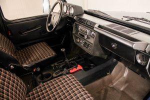 Mercedes-Benz 300 GD 10
