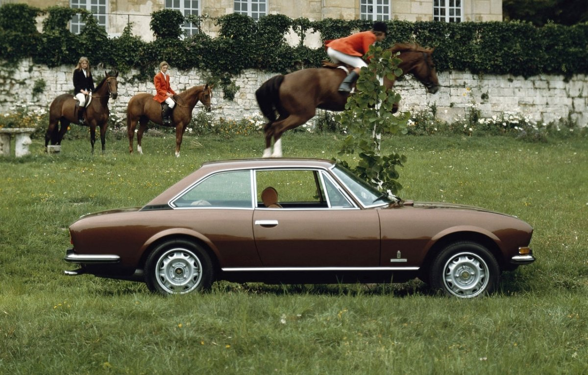 Peugeot-504-Coupe-1