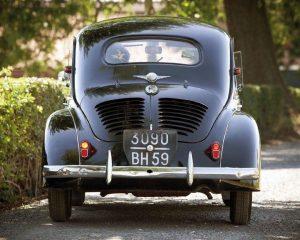 Renault-4CV-Cremeschnittchen-Heck