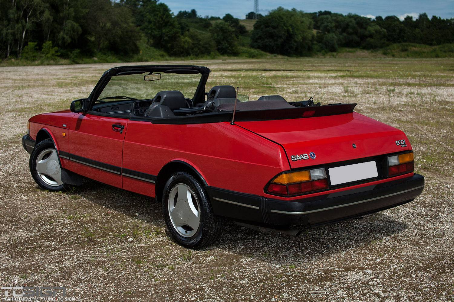 saab 900 cabriolet classic trader magazine. Black Bedroom Furniture Sets. Home Design Ideas